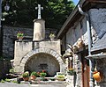 Fontaine de Sazos (Hautes-Pyrénées) 1.jpg