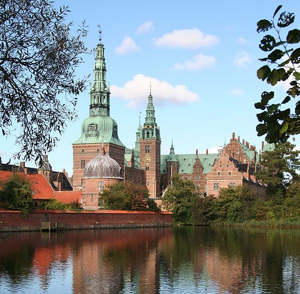 Renaissance-styled Frederiksborg Palace completed by Hans van Steenwinckel the Younger in 1620 Frederiksborg-2.jpg