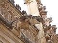 Gárgola en forma de ranab del claustro del monasterio de San Juan de los Reyes, Toledo.jpg