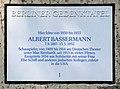 Gedenktafel Joachim-Friedrich-Str 54 (Halsee) Eugen Albert Bassermann.jpg