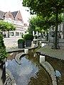 Geldern – Wasserlauf am Marktplatz - panoramio.jpg