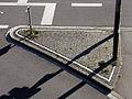 Gepflasterte Verkehrsinsel 5747.jpg