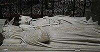 Gisant de Pépin le Bref et Bertrade de Laon à la Basilique de Saint-Denis, France.jpg