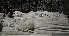 Gisant de Pépin le Bref et Bertrade de Laon à la Basilique de Saint-Denis, France
