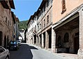 Gubbio, porta vehia, IV-III secolo ac., rimaneggiata nel medioevo, 00 via dante.JPG