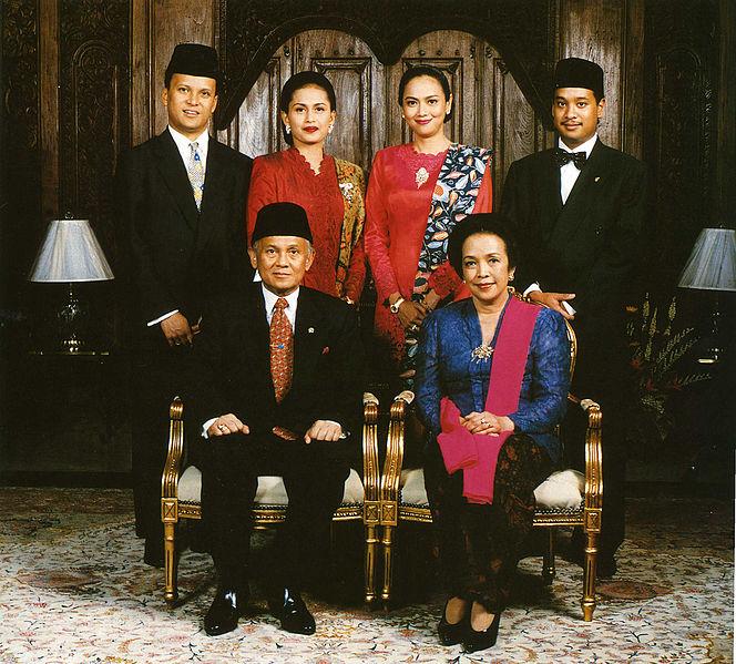 Keluarga besar BJ Habibie