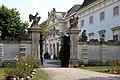 Halbturn Schloss.JPG