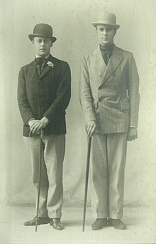 Robert Byron with Harold Acton at Oxford around 1922