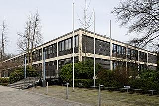 Karl-Arnold-Haus, sede de la Academia de Ciencias y Artes de Renania del Norte-Westfalia, Düsseldorf (1958-1960), con Friedrich Kohlmann
