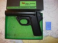 Heckler u Koch Signalpistole P2A2.jpg