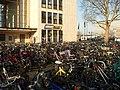 Heidelberg - Hauptbahnhof mit Fahrrad.JPG