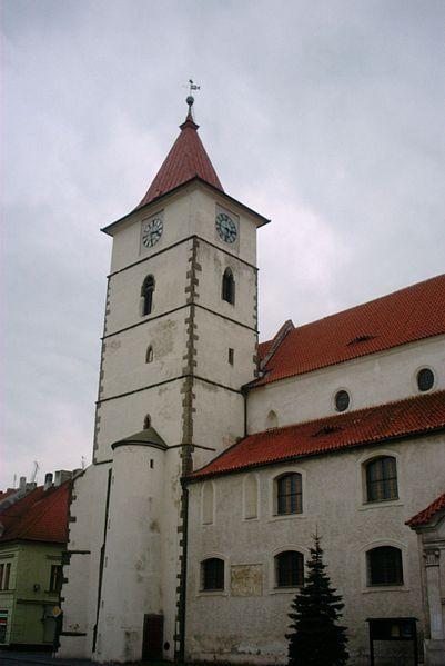 Soubor:Horažďovice - Kostel sv Petra a Pavla.jpg