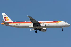 Iberia Airbus A321-211.jpg