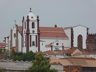Silves Cathedral - Image: Igreja de Silves vista do rio Arade