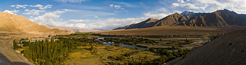 150pxThe Indus River near Leh, Ladakh, India