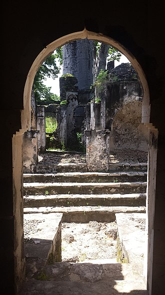 Songo Mnara - Image: Inside the ruins of Songo Mnara