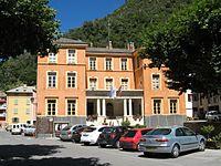 Isola village - mairie.jpg