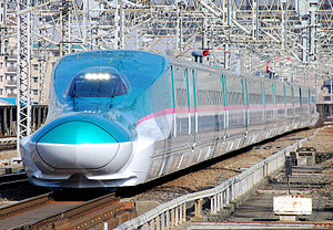 Tōhoku Shinkansen - An E5 series shinkansen on a Hayabusa service in March 2011