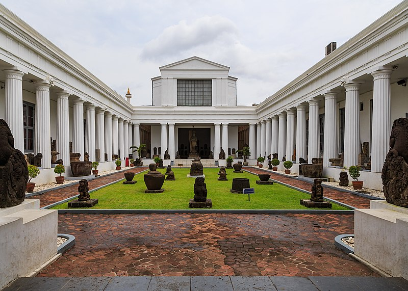 File:Jakarta Indonesia National-Museum-09.jpg