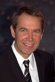 Jeff Koons at the 2009 Tribeca Film Festival.jpg