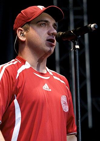 Jimmy Pop - Pop performing in 2009