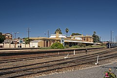 Junee Railway Station and the former Railway Hotel.jpg