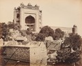 KITLV 92154 - Samuel Bourne - Gateway to the palace at Fatehpur Sikri in India - Around 1870.tif