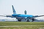 KLM Royal Dutch Airlines l PH-BQP l Boeing 777-200 (17133993806).jpg