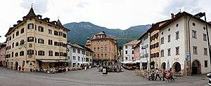 """Kaltern an der Weinstraße - General view of Kaltern's Marktplatz (""""market square"""")"""