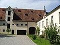 Kißlegg Im Hof des Alten Schlosses - panoramio.jpg