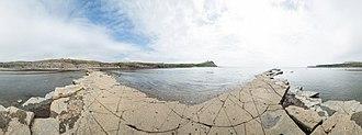 Kimmeridge Bay - Image: Kimmeridge Bay Pano, Dorset, UK May 2012