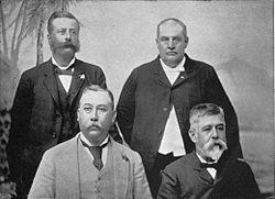 Cabinet du Royaume d'Hawaï, novembre 1892. Brown est en haut à gauche