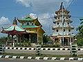 Klenteng di Kuala Tungkal, Jambi - panoramio.jpg