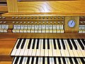 Knokke, Heilig Hart (Klais-Orgel, Spieltisch) (5).jpg