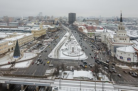 Komsomolskaya Square known as Three Station Square thanks to three ornate rail terminal situated there: Leningradsky, Yaroslavsky, and Kazansky Komsomolskaya square as seen from Leningradskaya hotel in winter (2014) -Vid na Komsomol'skuiu ploshchad' iz gostinitsy Leningradskaia - panoramio.jpg