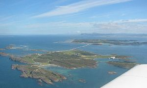Kråkvåg - View of the island with the bridge to Storfosna in the background
