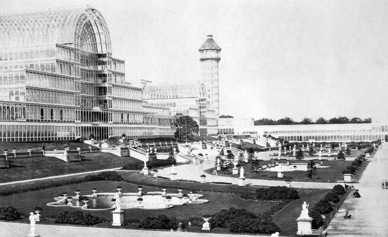 Photographies de Lieux Célèbres durant la Belle Epoque 800px-Kristallpalast_Sydenham_1851_aussen