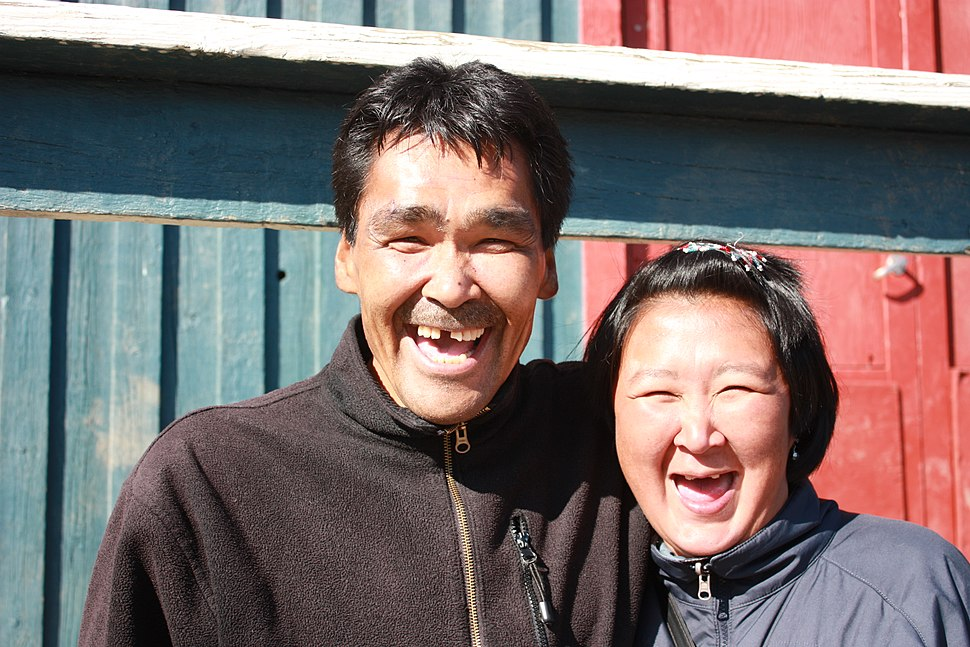 Kulusuk, Inuit couple (6822265499)