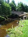La Mare, pont et lavoir au lieu-dit Le Pont, Saint-Jean-Soleymieux.JPG