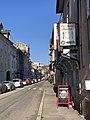 La Table Bugiste (Belley) et rue de la République.jpg