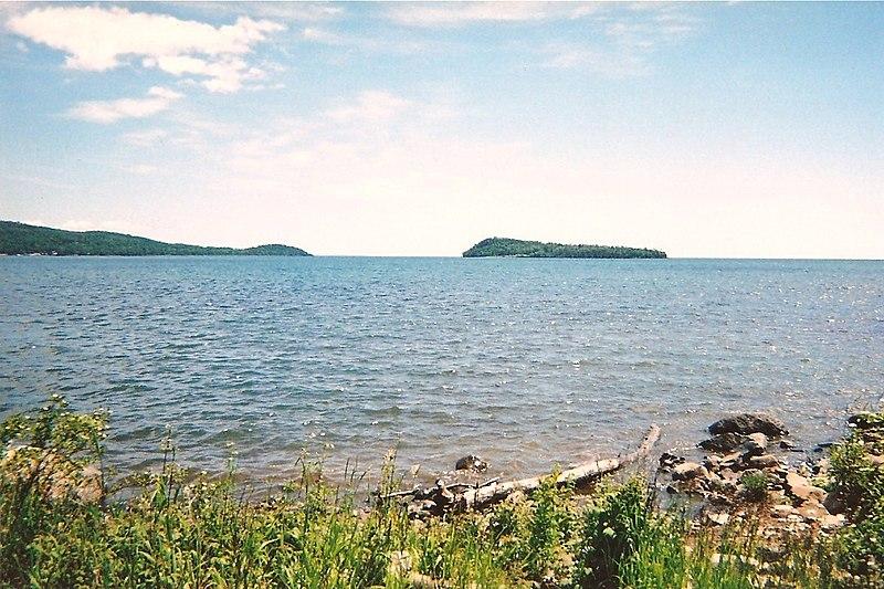 File:Lake Superior from Grand Portage, MN, 2008 - panoramio.jpg
