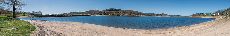 Lake of Villefranche-de-Panat 08.jpg