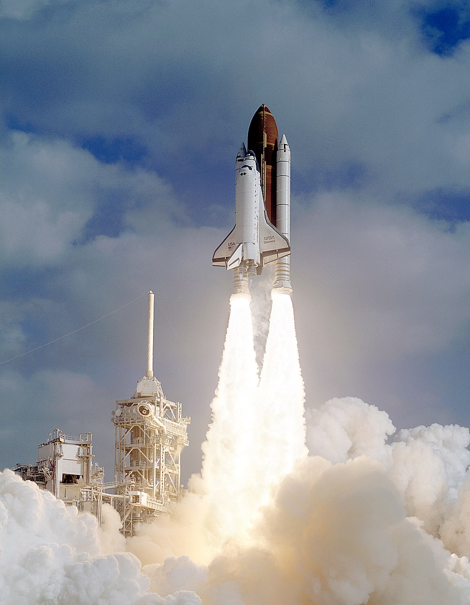 Liftoff STS-31