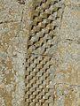 Limeuil église St Martin portail décor (1).jpg