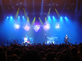 Limp Bizkit performing live in Paris during the 2009 Unicorns N' Rainbows Tour