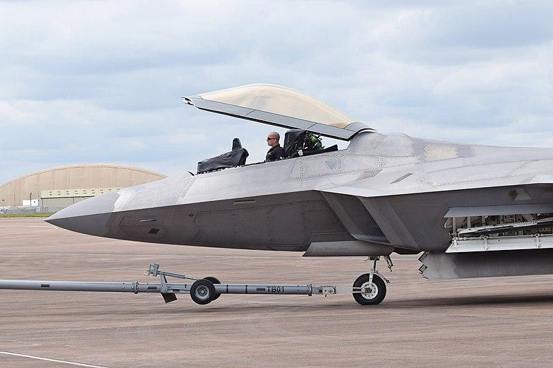 800px-Lockheed_Martin_F-22A_Raptor_%2809