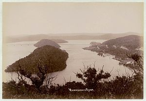 Long Island (New South Wales) -  Long Island in the Hawkesbury River, Australia, circa 1900-1910. The first Hawkesbury River Railway Bridge is visible at the top left, and the village of Brooklyn is at the right. Photo courtesy State Library of NSW