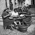 Lupljenje češp v Biljani 1953.jpg