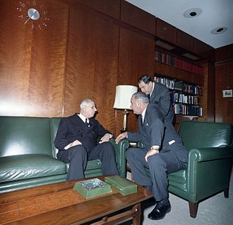 De Gaulle with President Lyndon B. Johnson in Washington, D.C., 1963 Lyndon B. Johnson, Charles de Gaulle 1963.jpg