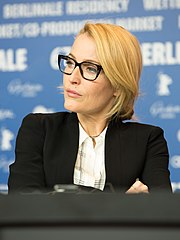 MJK32966 Gillian Anderson (Viceroy's House, Berlinale 2017).jpg